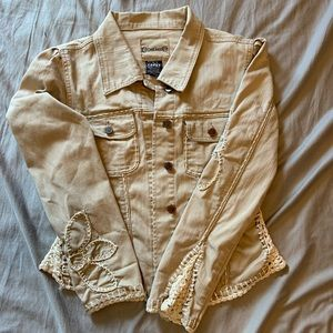 Crest jeans beige embroidered button up jacket.